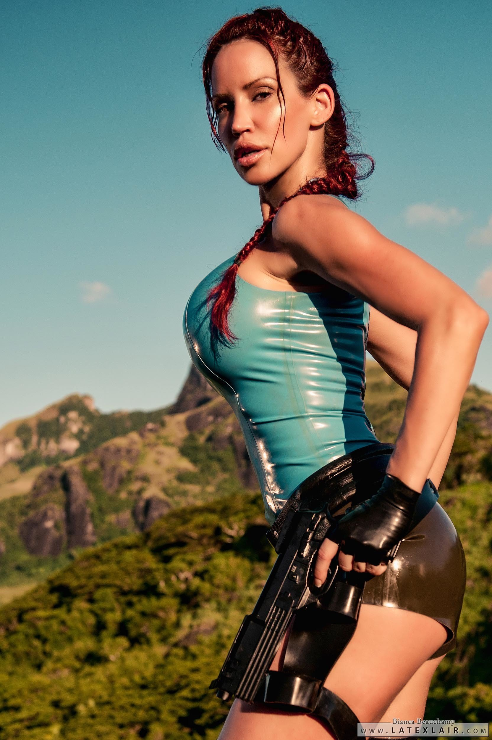 Sexy latex lara croft hentai clip