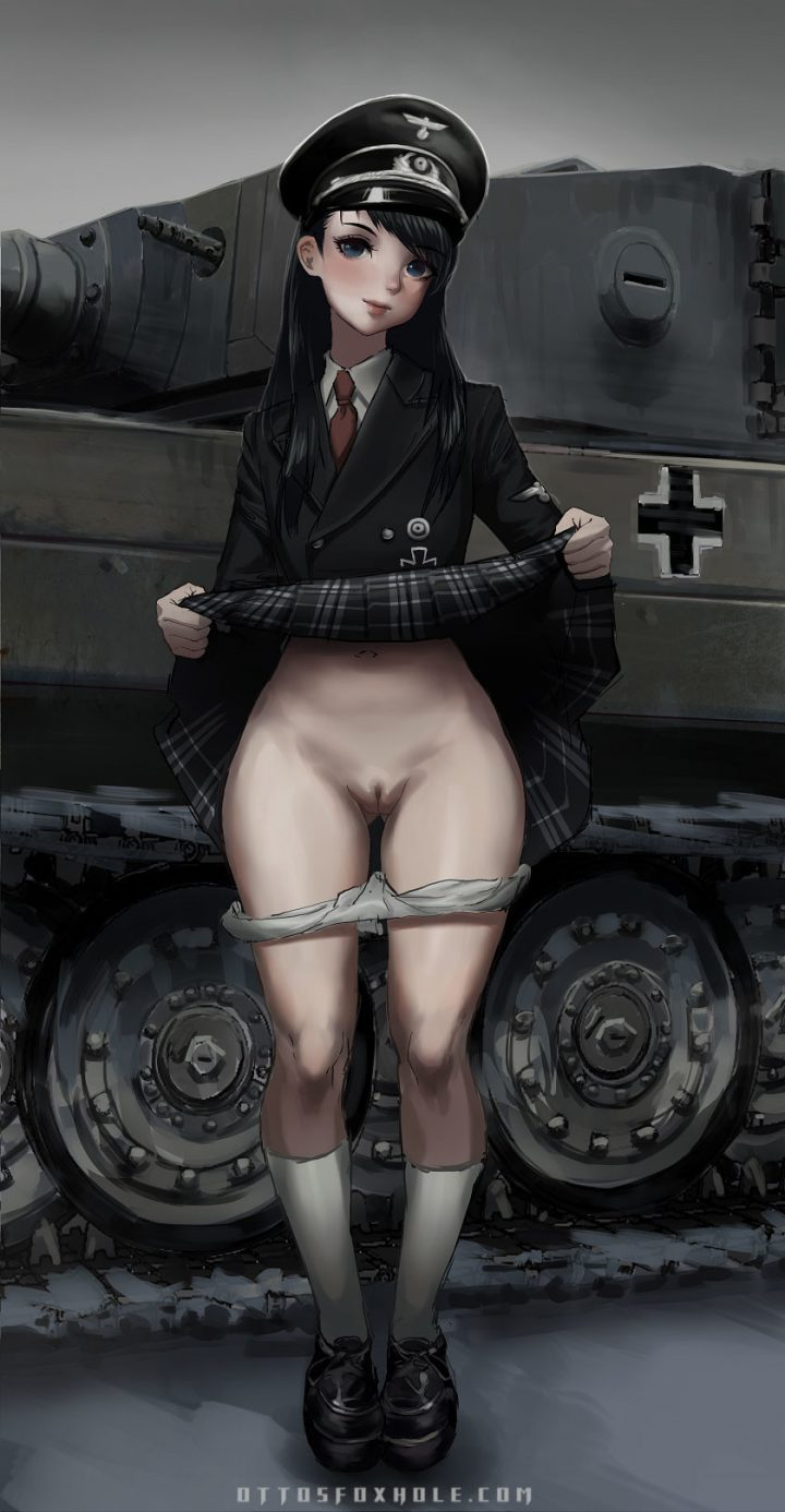 Asses and Allies: Girls of the 2nd World War (Plain Images)