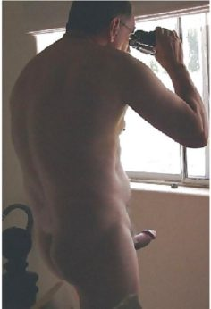 Gay : Jpegs : Voyeurism ( Peeping Tom )