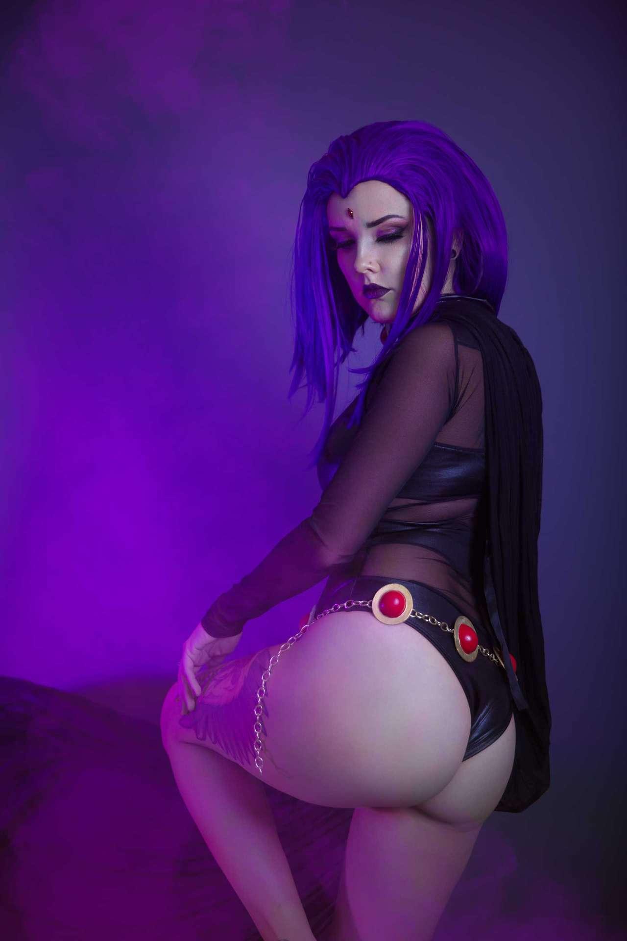 Raven cosplay sex
