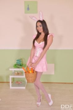 Anissa Kate – Sexy Tasty Easter Bunny A Horny Milf's Cosplay
